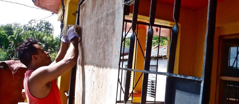 Baracoa Matthew: Protegiendo Villa Paradiso • Protecting Villa Paradiso • Protégeant Villa Paradiso