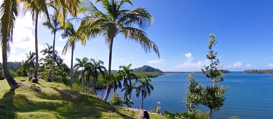 Bahía de Taco Bay (1) • Parque Humboldt • Baracoa Cuba