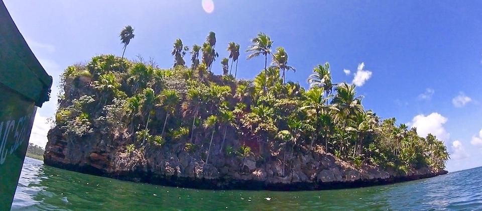 Baie de Taco Bay (4) • Parque Humboldt Park • Baracoa Cuba