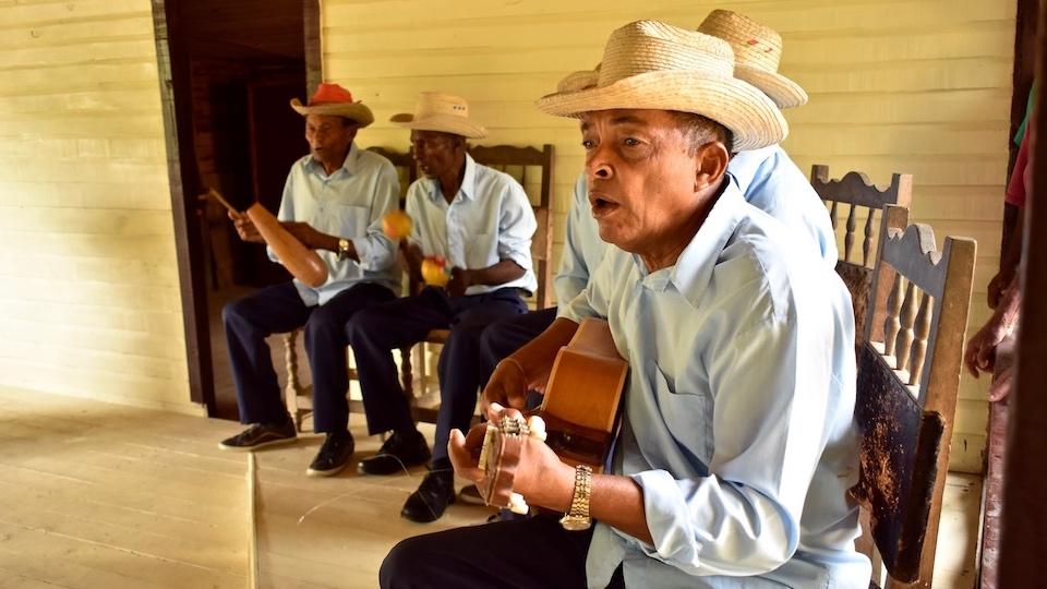 Nengon & Kiriba • The Musicians at El Guirito • Baracoa, Cuba