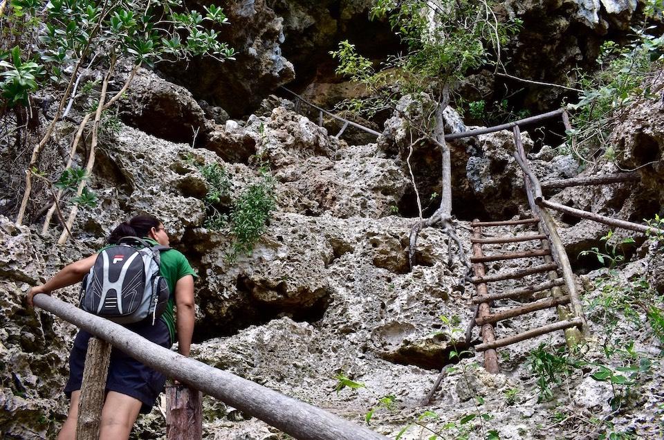 Escaleras Mirador de Pozo Azul • Baracoa Cuba