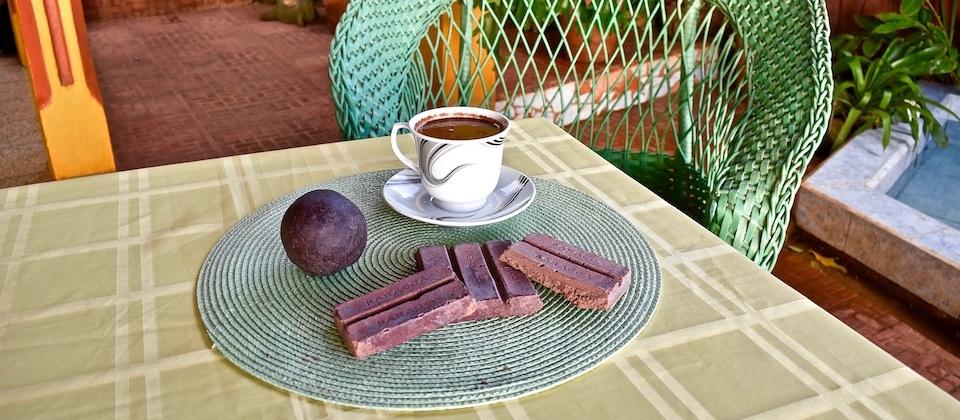 Hot chocolate • Chocolate caliente • Chocolat chaud • Villa Paradiso • Baracoa Cuba