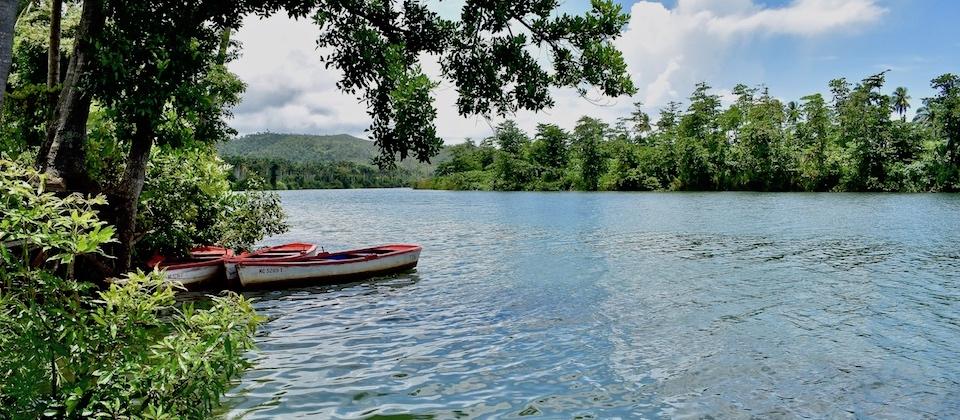 Cayuca, río Toa • Baracoa Cuba