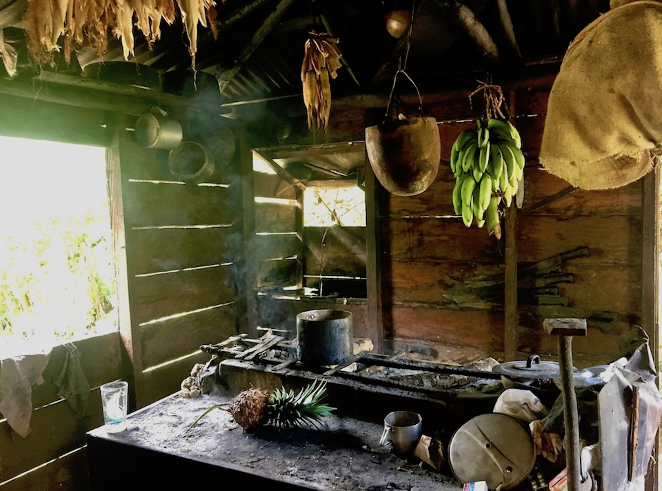 Cuisine traditionnelle paysane • Baracoa Cuba • Traditional Countryside Kitchen